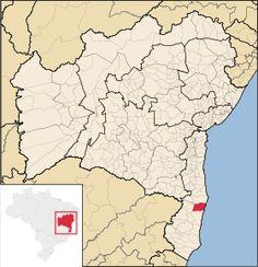 Santa Cruz Cabrália é um município localizado na Costa do Descobrimento, na Mesorregião do Sul Baiano, no estado da Bahia, no Brasil. Disputa com os municípios de Porto Seguro e Prado a primazia de ter sido o local de chegada dos portugueses ao Brasil em 1500.