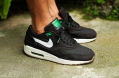 Discover the best Nike Air Max 1 ever released. We bring you a TOP 20 best Air Max 1 collaborations and iterations of all time. Air Max 1, Nike Air Max, Nike Air Jordans, Classic Sneakers, Best Sneakers, Air Max Sneakers, Sneakers Fashion, Custom Sneakers, New Shoes