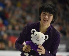 Junhwan Cha of South Korea gathers a toy from a fan after performing in the Men's Free program at the ISU Grand Prix of Figure Skating Final on December 7 in Vancouver, Canada. Get premium, high resolution news photos at Getty Images 1d Albums, Figure Skating Olympics, Mens Figure Skates, Skate Canada, Louis And Harry, December 7, Ice Skating, Beautiful Boys, South Korea