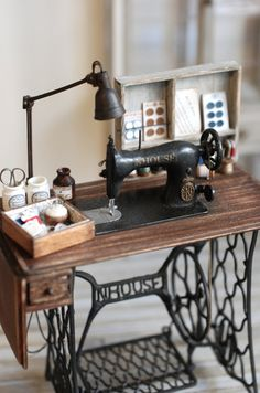 vintage style sewing machine in minitaure scale, by NuNu's House.