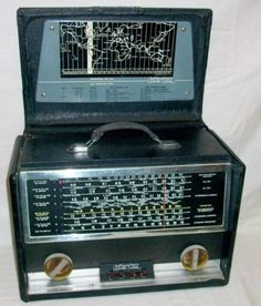 Vintage-Hallicrafters-Model-TW-1000-034-World-Wide-8-Band-Portable-Short-Wave-Radio