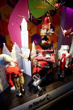 Hofleverancier van Sint Nicolaas - de Bijenkorf department stores Windows Den Haag
