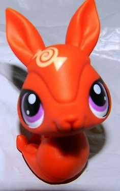 Littlest Pet Shop Orange Armadillo #3324 Candyswirl Dreams Blind Bag Purple Eye