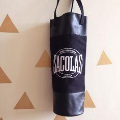 É um puxa-saco ou seria um saco de pancada? Para deixar a cozinha organizada e diminuir o stress! - loja finé - www.lojafine.com