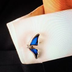 كبكات رجالي أنيق Half butterfly cufflinks #realbutterflywing #terraeclat#jewellery#gemstones #fashionista#jewelery#hashtag #Instagram #Riyadh#Dubai#trend #saudidesigner#loveit#saudipride #ranyahseraj#butterfly #بنات #هاشتاق #جدة #فاشن #ستايل#موضه#مجوهرات #كويت #قطر #رانيةسراج ---------------------------------------------