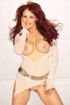 Tiffany Singer Shows Body to Playboy Fans April 2002 at Playboy Celeb Hottest Redheads, Popular Girl, Famous Women, Celebs, Celebrities, 80s Fashion, Celebrity Crush, Playboy, Cute Girls