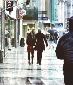 Twelfth Doctor and Clara in London
