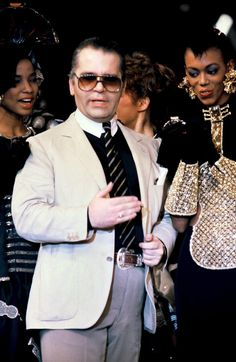 """1983 - Karl Lagerfeld & models 4 Chloe show final. On the right is the violin dress. Check my """"Drawings of Fashion"""" for this sketches."""