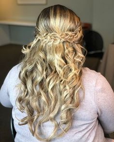 CHIC CROWN BRAIDS Want flawless wedding hair & makeup with zero stress? We gotchu! Go ahead and schedule your free consultation call today - link in bio @WindyCityGlam! . #chicagobridalmakeup #chicagomakeupartist #chicagoweddingmakeup #chicagobride #chicagomua #chicagowedding #chicagobridalmakeupartist #chicagobridalmua #chicagoweddingmua #chicagoweddingmakeupartist #chicagomua #chicagoweddingplanning #chicagoweddingphotographer #chicagobridalhair #chicagohairstylist #chicagoweddinghair #chicago
