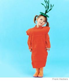 You are what you eat! Learn how to make this no-sew #DIY carrot costume.