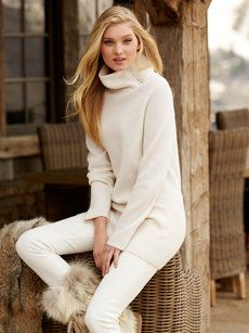 Fine luxury ski clothing, high-end apparel, ski wear and cashmere sweaters for the luxurious mountain lifestyle at Gorsuch Winter Wear, Autumn Winter Fashion, Snow Wear, Ski Fashion, Womens Fashion, Vacation Fashion, Ski Vacation, Sweater Fashion, Fall Sweaters For Women