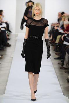 Oscar de la Renta with John Galliano in the studio Paris Fashion, Runway Fashion, Fashion Outfits, Womens Fashion, Everyday Fashion, Dress To Impress, Catwalk, Style Me, Ready To Wear
