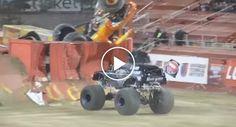 Monster Truck Faz Um Duplo Backflip http://www.desconcertante.com/monster-truck-faz-um-duplo-backflip/