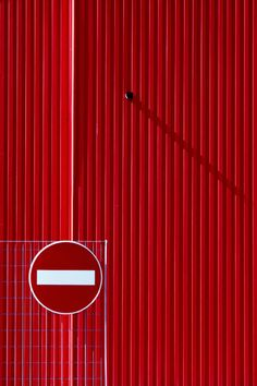 ●● #Red #photography #picture #rouge #Rood #Rojo #Rot #Sette #photo || Follow http://www.pinterest.com/lcottereau/just-red/