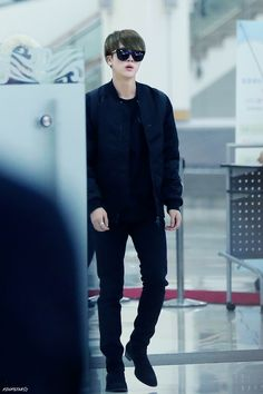 we are bulletproof! Seokjin, Hoseok, Bts Jin, Bts Bangtan Boy, Bts Jungkook, Taehyung, Bts Airport, Airport Style, Airport Fashion
