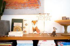 Schlauer, goldiger Fuchs für's Kinderzimmer. Illustration eines Fuchses mit schwarzen Pfoten und einem buschigen Schwanz. ♥ Wandbild mit Aufhängevorrichtung auf der Rückseite. Hänge das Bild an...