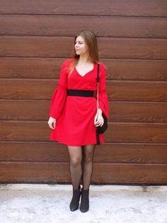 Mis Marli: Red dress | Khaki Jacket | Gamiss