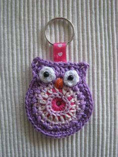 crochet owl key chain by GeKleurdeDraadjes on @Etsy, €3.75 #handmade in the #Netherlands!