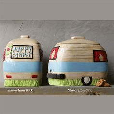 A ceramic camper cookie jar is a must have for any vintage kitchen. For more ceramic cookie jars visit Antique Farmhouse. Retro Campers, Happy Campers, Vintage Campers, Prayer Jar, 50s Decor, Teapot Cookies, Cookie Jars, Cookie Containers, Vintage Travel Trailers