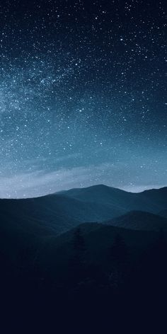 coole Bilder Night, mountains, silhouette, starry sky wallpaper The Secrets Of Winterizing Landscape Wallpaper, Scenery Wallpaper, Wallpaper Backgrounds, Nature Pictures, Cool Pictures, Starry Night Wallpaper, Starry Night Background, Art Blue, Night Sky Painting