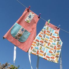 Reversible Apron in Organic Cotton - Robots or Cars  £12.00