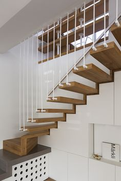 cantilever wood stairs