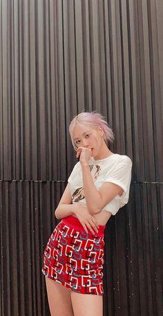South Korean Girls, Korean Girl Groups, Korean Boys Ulzzang, Rose Icon, Rose Park, Jennie Lisa, Rose Wallpaper, Blackpink Photos, K Idol