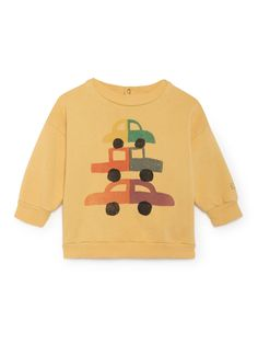 Cars round neck baby sweatshirt by Bobo Choses. From The Happy Sads collection by Bobo Choses. We love this cool baby sweatshirt by Bobo Choses. Summer Baby, Summer Kids, Cute Baby Shoes, Kids Prints, Kids Pajamas, Cool Baby Stuff, Baby Wearing, Kids Wear, Boy Outfits
