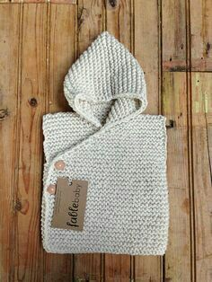Hand-knitted chunky hoodie vest made of organic cotton in CREME / SMALL . Hand-knitted chunky hoodie vest made of organic cotton in CREME / SMALL Alwa. Baby Knitting Patterns, Knitting For Kids, Crochet For Kids, Free Knitting, Knitting Projects, Knit Crochet, Crochet Patterns, Garter Stitch, Baby Sweaters