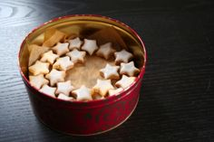 cinnamon star cookies || vegan Star Cookies, Mulled Wine, Christmas Baking, Cinnamon, Pudding, Cookies Vegan, Desserts, Recipes, Kawaii
