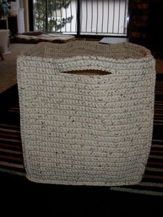 Spa Basket, Large By Bernat Design Studio - Free Crochet Pattern - (ravelry) Crochet Diy, Crochet Storage, Crochet Amigurumi, Crochet Home, Crochet Crafts, Crochet Projects, Ravelry Crochet, Crochet Basket Tutorial, Crochet Basket Pattern