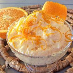Esta receta de mousse de naranja y yogur se puede preparar con antelación porque la gelatina le da firmeza y consistencia.