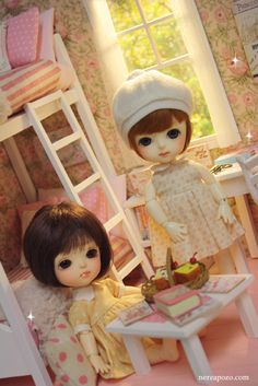 """New Diorama """" ROMANTIC ROSES TWIN BEDROOM """"     For around 16 cm doll like Lati yellow, Middie Blythe, Puki fee , odeco and nikki , licca ,..."""