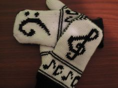 "So recently I devised a pattern from Anne Neumann's beautiful Fingerless Gloves ""Musica"" , as seen on Ravelry. The goal was to create a fu. Knitted Mittens Pattern, Loom Knitting Patterns, Crochet Mittens, Knitting Stitches, Knitting Projects, Hand Knitting, Stitch Patterns, Knitting Tutorials, Hat Patterns"