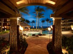 Overall Rating: 95.192  Built on the site of the old Poipu Beach Hotel on the less-touristy island of Kauai, the Koa Kea's 121 rooms all have private lanais and nouveau-Hawaiian decor with windows draped in sheer fabric, so you'll never have to miss a wave. A simple swimming pool, a restaurant and lounge, and idyllic lawn overlooking a cove make for great places to further chill out.