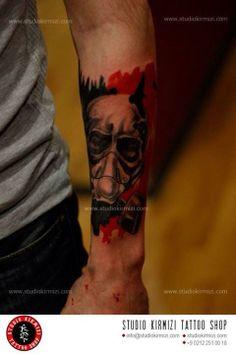 Studio Kirmizi Tattoo Shop 0212 251 00 18 0535 557 00 04 İstiklal caddesi Balo sok. No3/2 İnfo@studiokirmizi.com www.studiokirmizi.com #studiokirmirmizi #mertkanongun #tattoo #dövme #dovme #mask #masktattoo Black White Tattoos, Mask Tattoo, Tattoo Shop, Black And White, Portrait, Studio, Masquerade Tattoo, Black N White, Headshot Photography