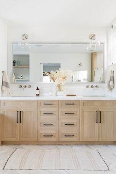Bathroom Renos, Bathroom Renovations, Bathroom Ideas, Remodel Bathroom, Bathroom Vanities, Budget Bathroom, Nature Bathroom, Master Bathroom Vanity, Oak Bathroom