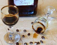 Σπιτικό λικέρ με στιγμιαίο καφέ   Tante Kiki Coffee Maker, Kitchen Appliances, Blog, Diy Kitchen Appliances, Home Appliances, Drip Coffee Maker, Appliances, Coffeemaker, Blogging