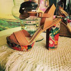 Comprou um sapato da nova coleção Tanara? A gente quer ver! Marque @tanarabrasil e use a hashtag #tanaralovers  Foto by @Kollpecalcados