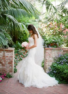Style Me Pretty | Gallery & Inspiration | Tag - Vera Wang | Picture - 1179208