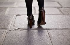 Blogger Betty Autier wearing the Gucci 1953 Horsebit Loafer