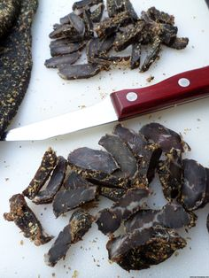Easy recipe and directions for making healthy organic delicious biltong at home. How to make authentic South African tasting biltong and dry wors. South African Dishes, South African Recipes, Jerky Recipes, Burger Recipes, Biltong, Tasty Dishes, Easy Meals, Yummy Food, Treats