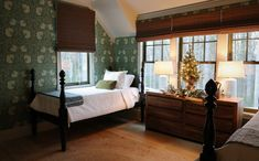 Our Asheville, North Carolina, Idea House Is All Decked Out For the Holiday Season Pre Lit Wreath, Cozy Bedroom, Cottage Bedrooms, Bedroom Ideas, Japanese Soaking Tubs, Bath Decor, Dog Houses, Southern Living, Asheville