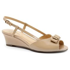 The womens Trotters Milly is a sweet slingback perfect for all your dressy occasions. The peep toe sandal features a leather upper with a dainty bow ornament. Beauty Full, Plus Size Women, Patent Leather, Peep Toe, Dress Shoes, Nude, Pumps, Clothes For Women, Sandals