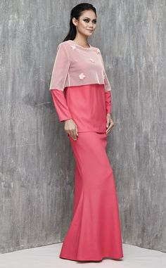 EMEL X SERENA C - ARCTICA - Modern Semi-Top Mesh Baju Kurung (Pink) An edgy but simple modern kurung that'll be the talk of the town! This modern kurung features an oversized mesh semi-top with flower applique. #emelxCLPTS #emelxSerenaC #emelbymelindalooi #bajuraya #bajukurung #emel2016 #raya2016 #SerenaC #lookbook #mesh #flower #applique #pink #moden #2016 #baju #kurung #baju #raya