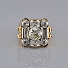 Spectacular Art Deco 3.20 Ct diamond large 2.00 Ct solitaire ring. 1930's