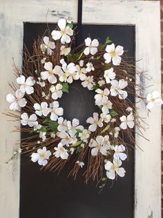 Love this wreath for the front door..