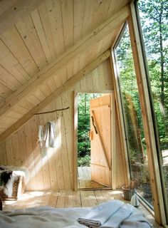 Cabins And Cottages: I woke up in a small room, with a slanted ceiling . A Frame Cabin, A Frame House, Slanted Ceiling, Floor Ceiling, Tiny House Cabin, Cabins In The Woods, Wood Design, Design Design, House Ideas