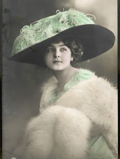 Love this Merry Widow Hat -- I do So want one!