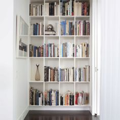 https://i.pinimg.com/236x/4b/57/bf/4b57bf4ad5dcbfa65df9c14e8863b1b2--modern-home-offices-modern-homes.jpg